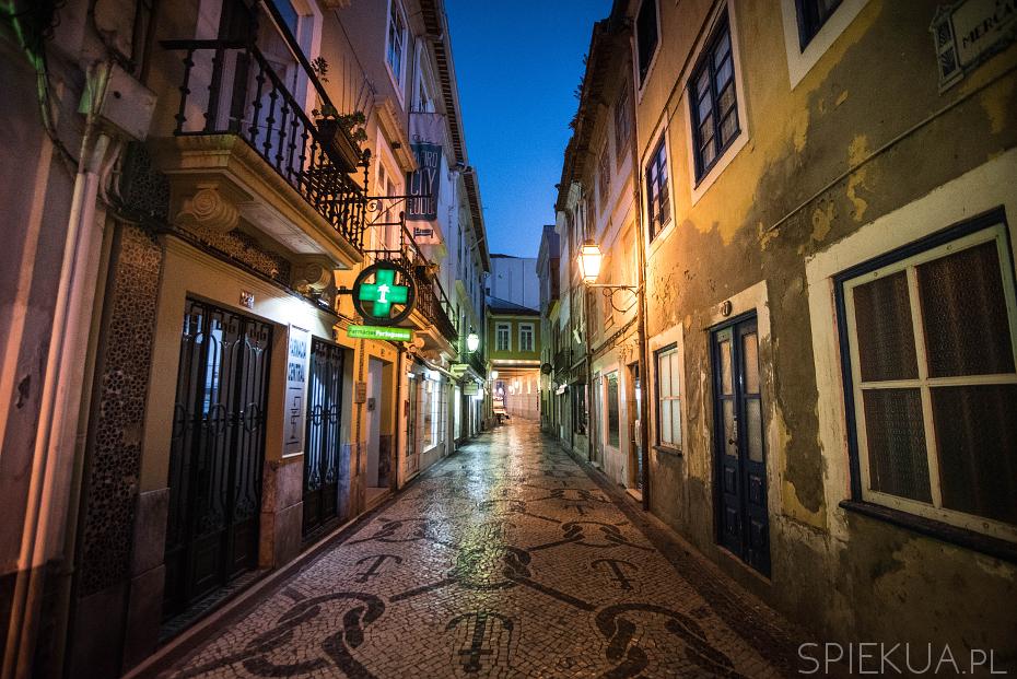 aveiro by night