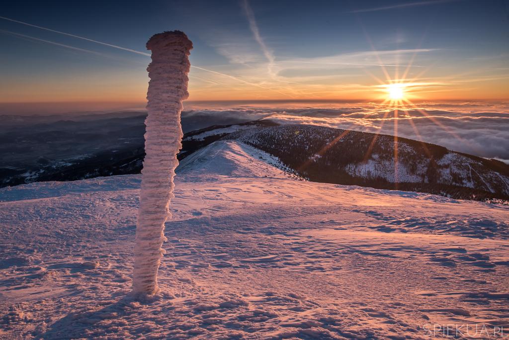 Śnieżka wschód słońca