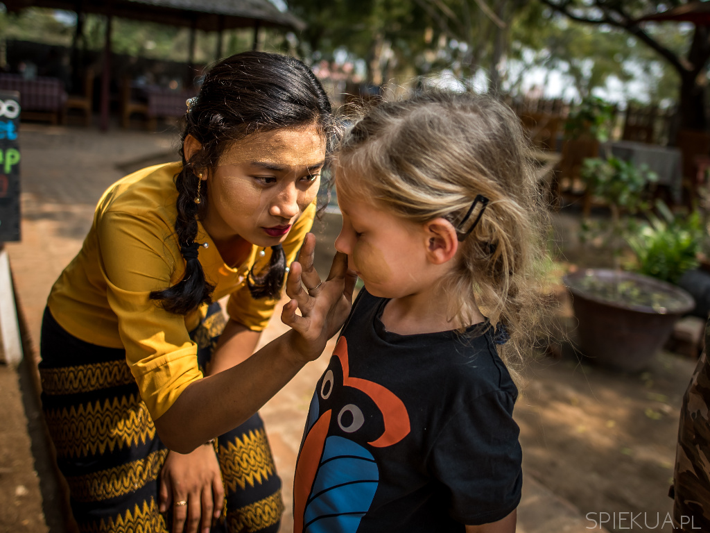 myanmar traditional makeup