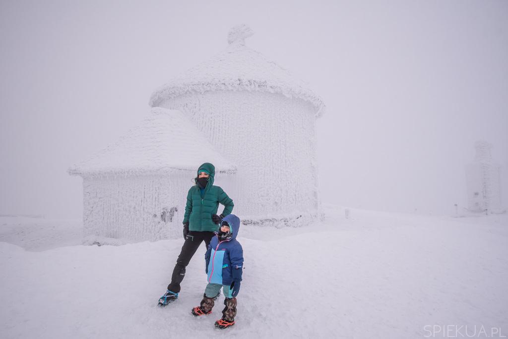 Śnieżka z dzieckiem