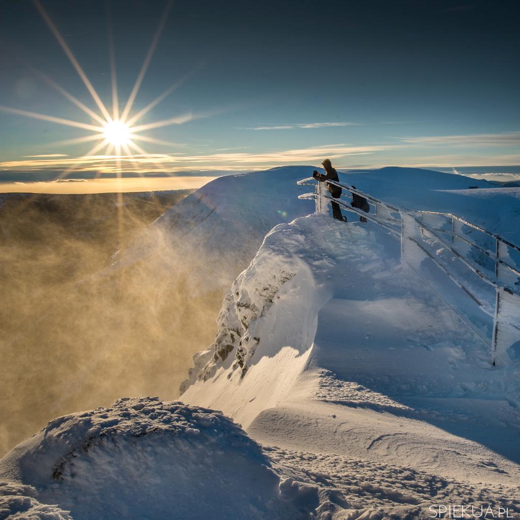 zahcód słońca na Śnieżce