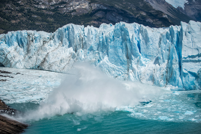 perito moreno falling ice