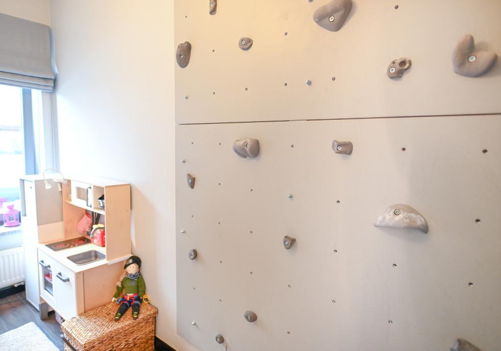 ścianka wspinaczkowa u dziecka