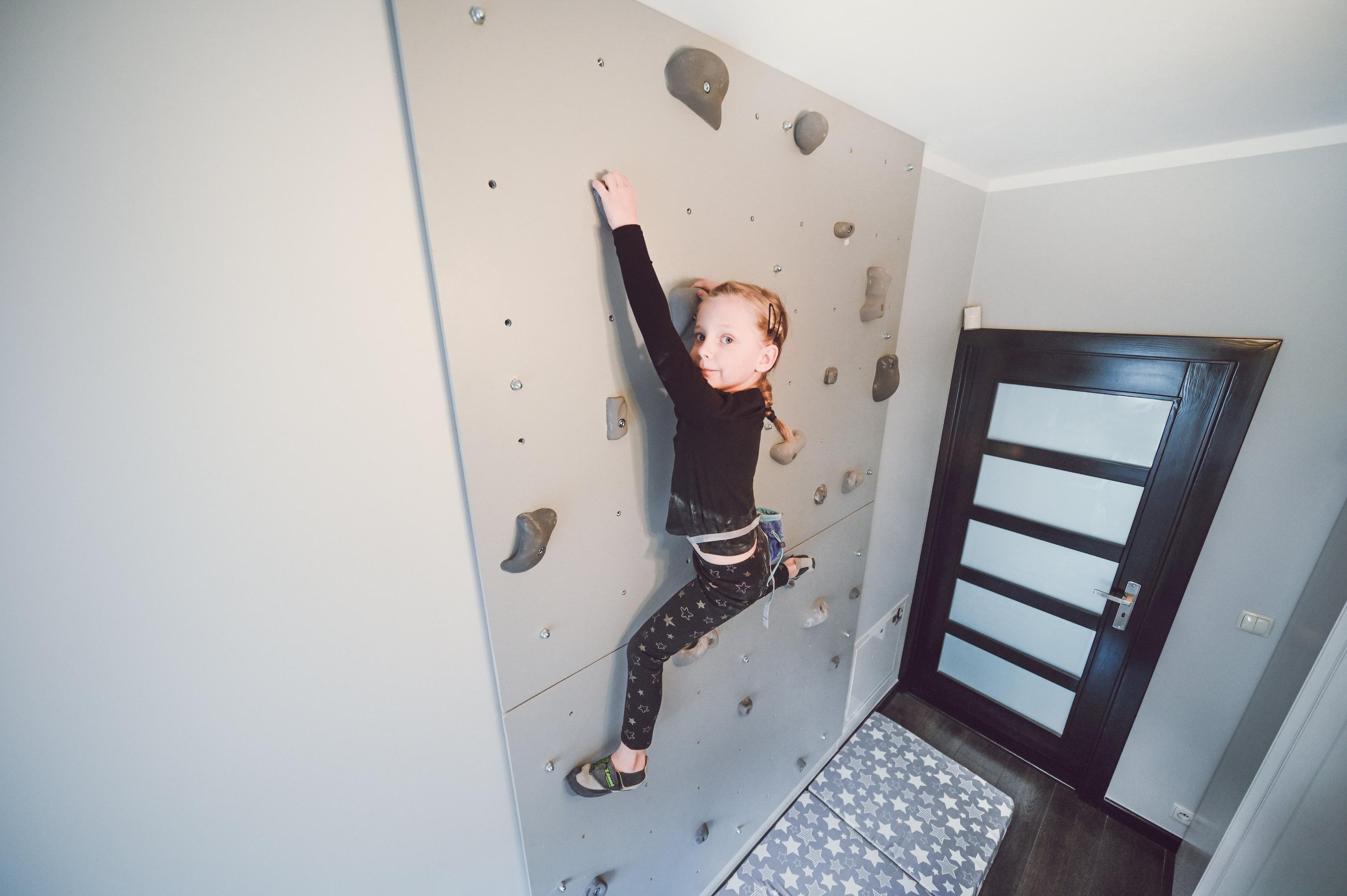 scianka wspinaczkowa pokoju dziecięcym