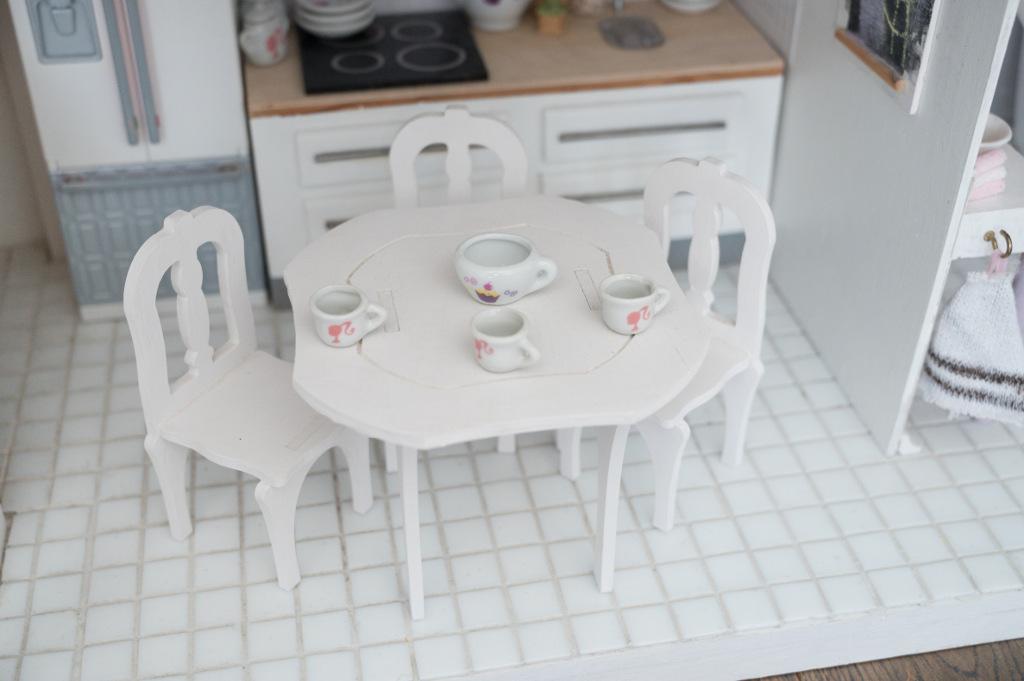 kuchnia dla llaek kafelki na podlodze