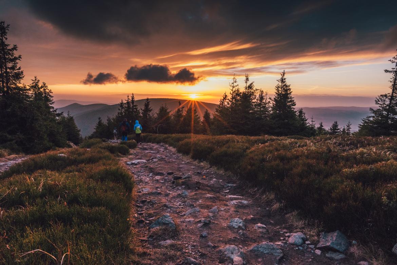zachód słońca zejście ze Śnieżnika