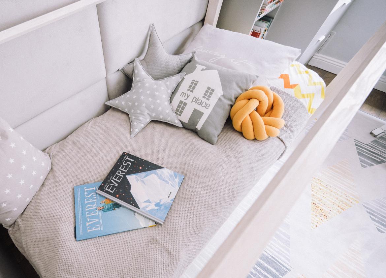łóżko podróżniczki